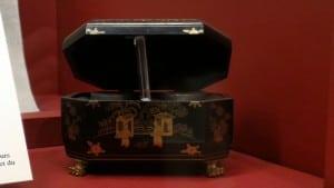 A small tea box